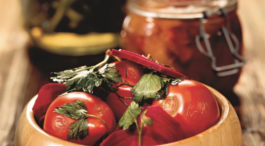 Помидоры, консервированные со свеклой | Рецепты с фото