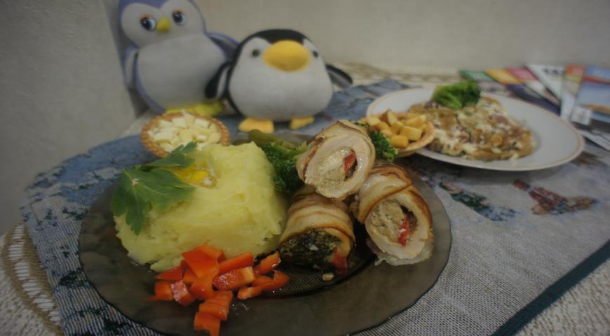 Рулетики из куриного филе с брокколи по-пингвински | Рецепты с фото