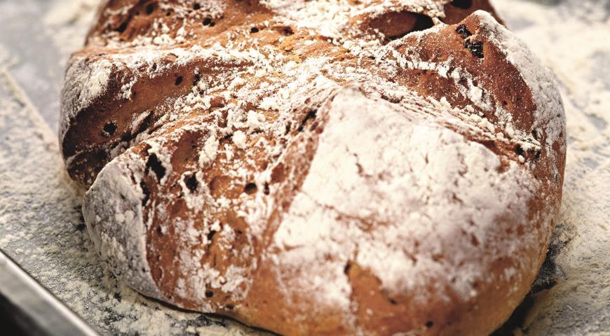 Ржаной хлеб с изюмом | Рецепты с фото