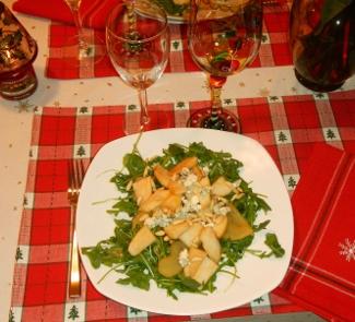 Салат из груши с рукколой и сыром Дор блю | Рецепты с фото