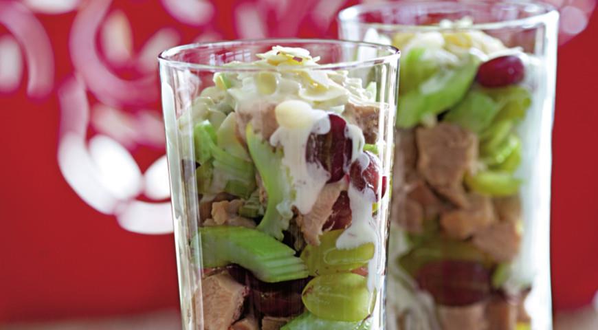 Салат из индейки с виноградом | Рецепты с фото