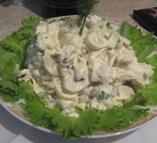 Салат из кальмаров | Рецепты с фото