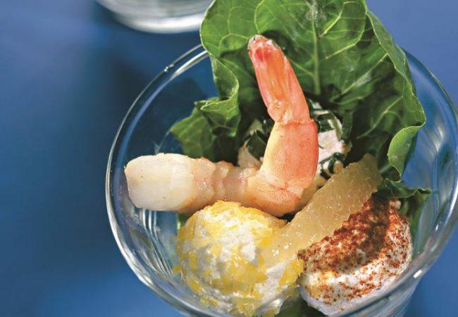 Салат из креветок с творожными шариками | Рецепты с фото