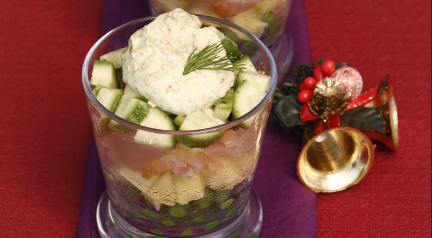 Салат из курицы, картофеля и горошка | Рецепты с фото