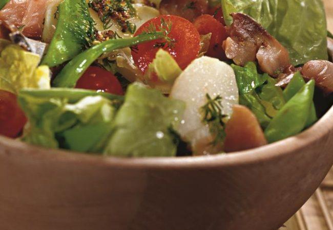 Салат из молодого картофеля со скумбрией | Рецепты с фото