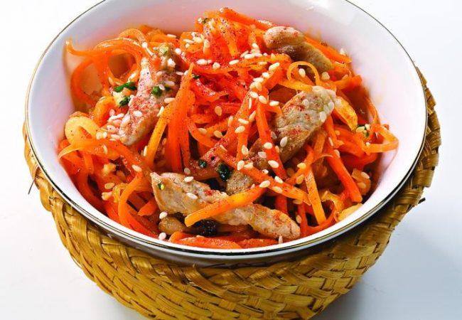 Салат из моркови со свининой   Рецепты с фото