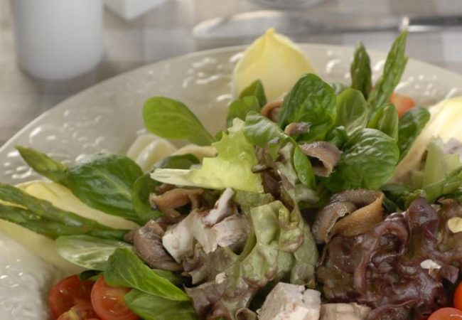 Салат из мозгов с анчоусами | Рецепты с фото