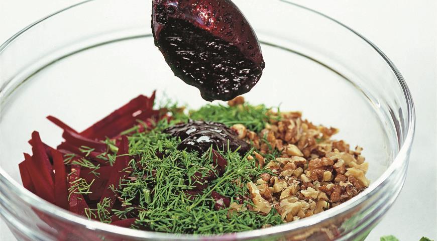 Салат из свеклы со смородиной | Рецепты с фото