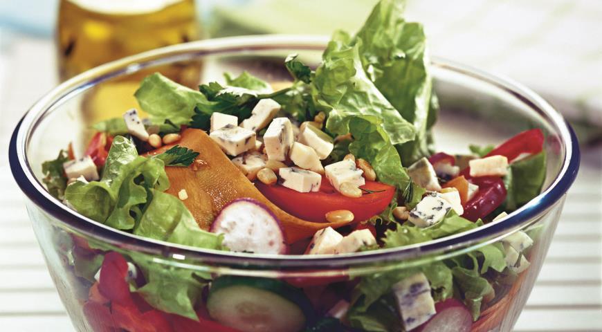Салат из свежих овощей с сыром | Рецепты с фото