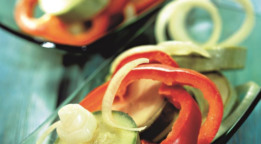 Салат Кабачки, маринованные со сладким перцем | Рецепты с фото