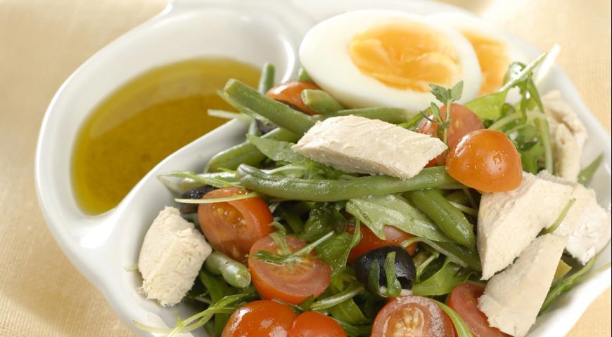 Салат Нисуаз с курицей | Рецепты с фото