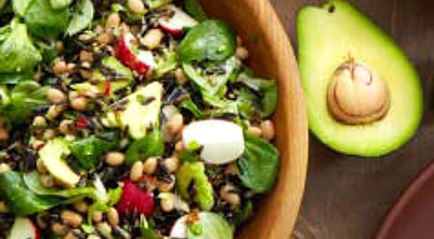 Салат с диким рисом  и авокадо | Рецепты с фото