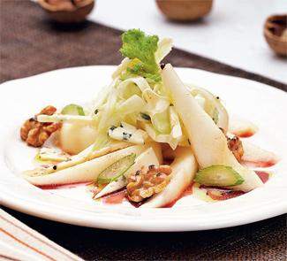 Салат с грушами и фенхелем | Рецепты с фото
