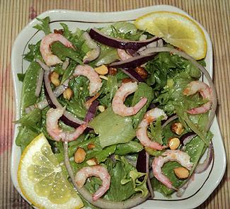 Салат с креветками и миндалем   Рецепты с фото