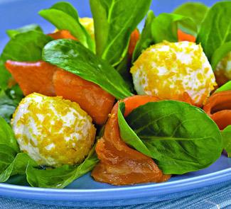 Салат с лососем, творогом и лимоном | Рецепты с фото