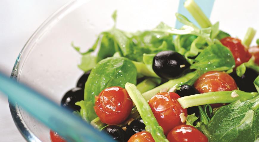 Салат с жареными помидорами и спаржей | Рецепты с фото