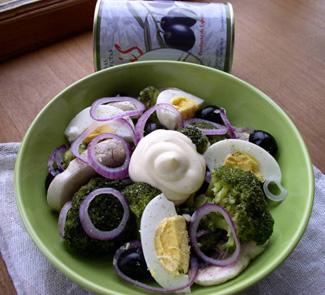 Салат Валенсия с брокколи и маслинами | Рецепты с фото