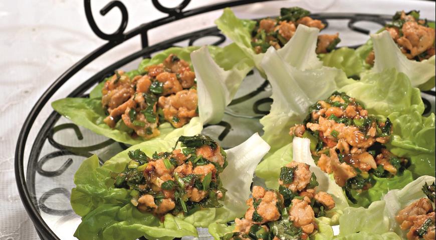 Салатные лодочки с курицей | Рецепты с фото