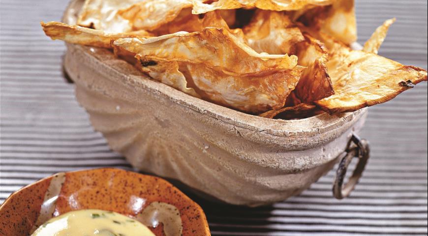 Сельдерейные чипсы с соусом айоли | Рецепты с фото