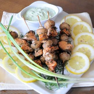Шашлычки из грибов и рыбы | Рецепты с фото