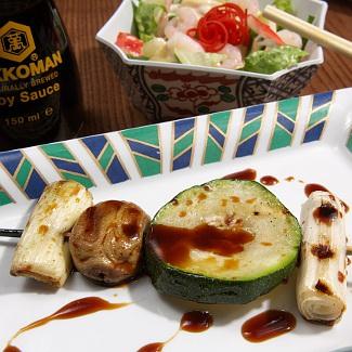 Шашлычки из куриной печени с овощами и маринадом-дип-соусом Киккоман | Рецепты с фото