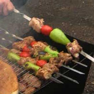 Шашлык, маринованный в соевом соусе, с овощами | Рецепты с фото