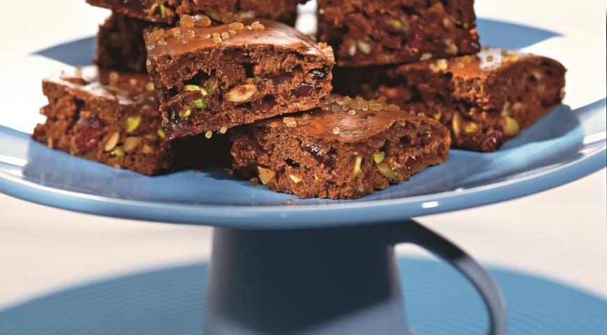 Шоколадные бисквиты с клюквой и фисташками   Рецепты с фото