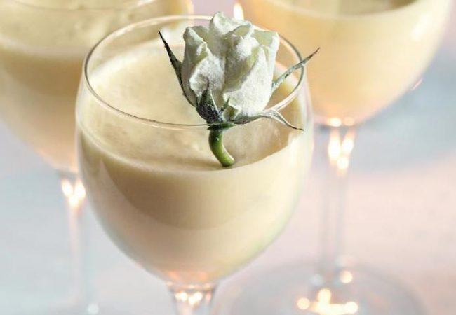 Шоколадный мусс с засахаренными розами | Рецепты с фото