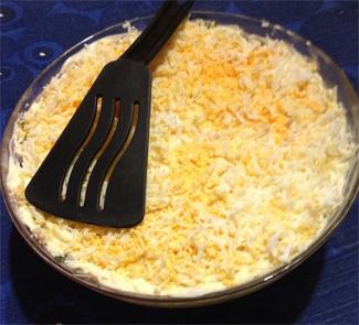 Слоеный салат Курочка в шубке | Рецепты с фото