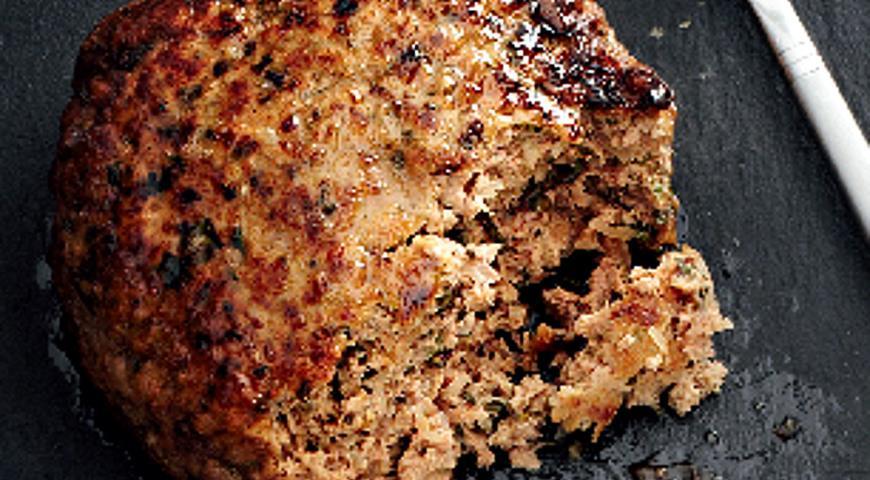Сочные котлеты из говядины с курдюком и зеленью | Рецепты с фото