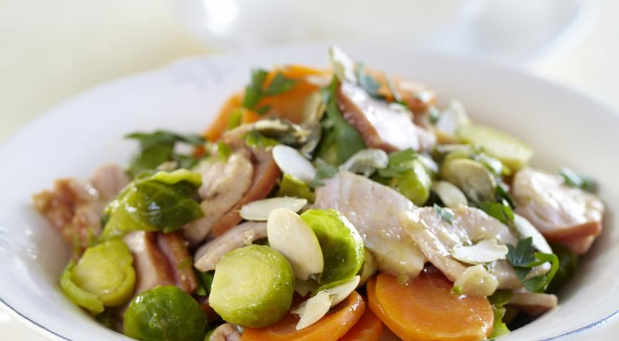 Соте из брюссельской  капусты с варено-копченым окороком | Рецепты с фото