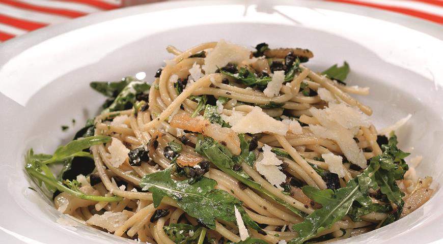 Спагетти с оливадой | Рецепты с фото