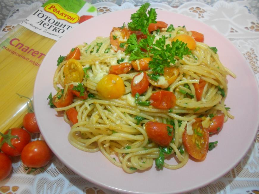 Спагетти с помидорами-черри | Рецепты с фото
