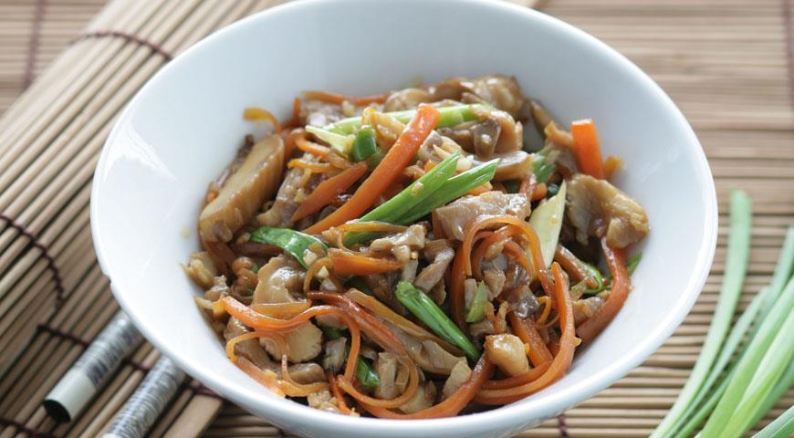 Стир-фрай из вешенок с морковью | Рецепты с фото