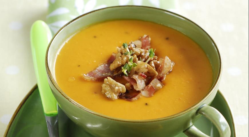 Суп из тыквы и моркови с беконом и орехами | Рецепты с фото