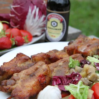 Свиные ребра-гриль с салатом из запеченных баклажанов | Рецепты с фото