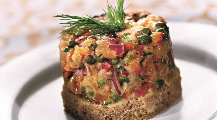 Тартар из слабосоленого лосося | Рецепты с фото