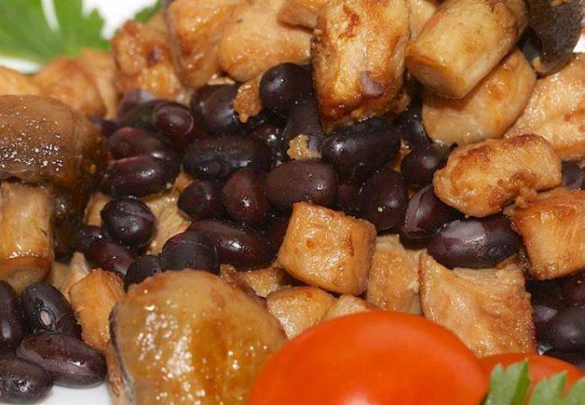Теплый салат с куриным филе | Рецепты с фото