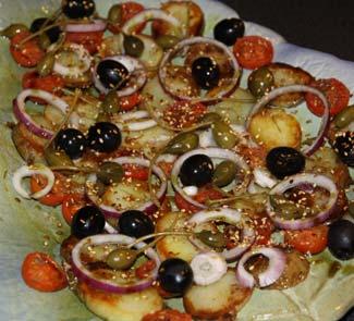 Теплый салат с подсушенными помидорами | Рецепты с фото