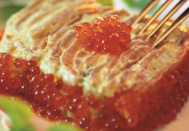 Террин из копченого лосося с икорным соусом | Рецепты с фото