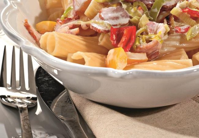Тортильони с перцем и окороком под сливочным соусом | Рецепты с фото