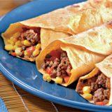 Тортильяс с кукурузно-мясной начинкой и овощной сальсой | Рецепты с фото