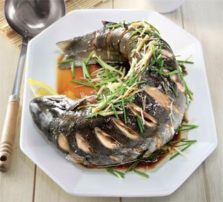 Целая рыба по-кантонски | Рецепты с фото