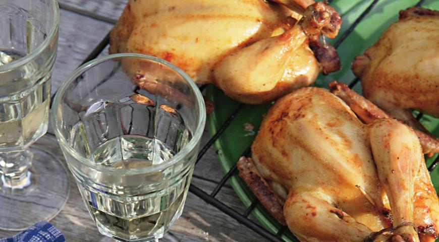 Цыплята-корнишоны, фаршированные финиками | Рецепты с фото