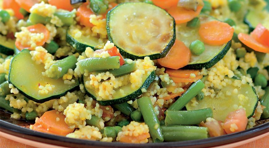 Вегетарианский кускус с весенними овощами | Рецепты с фото