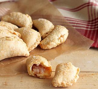 Яблочные пирожки с сыром чеддер | Рецепты с фото