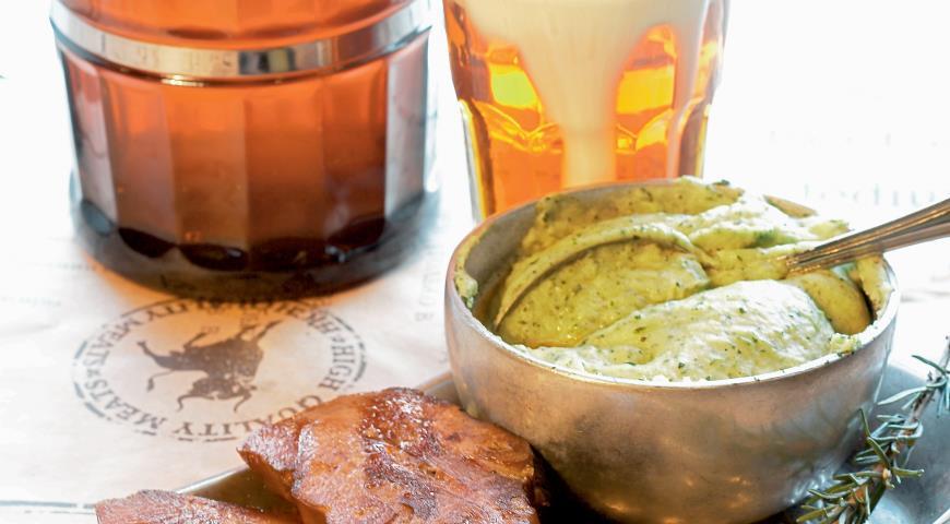 Язык на гриле с пюре из картофеля и базилика | Рецепты с фото