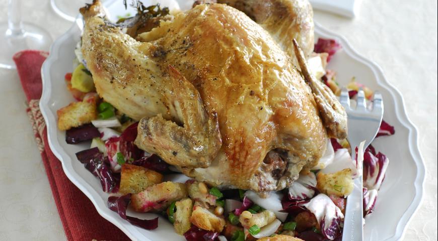 Запеченная курица с хлебным гарниром | Рецепты с фото