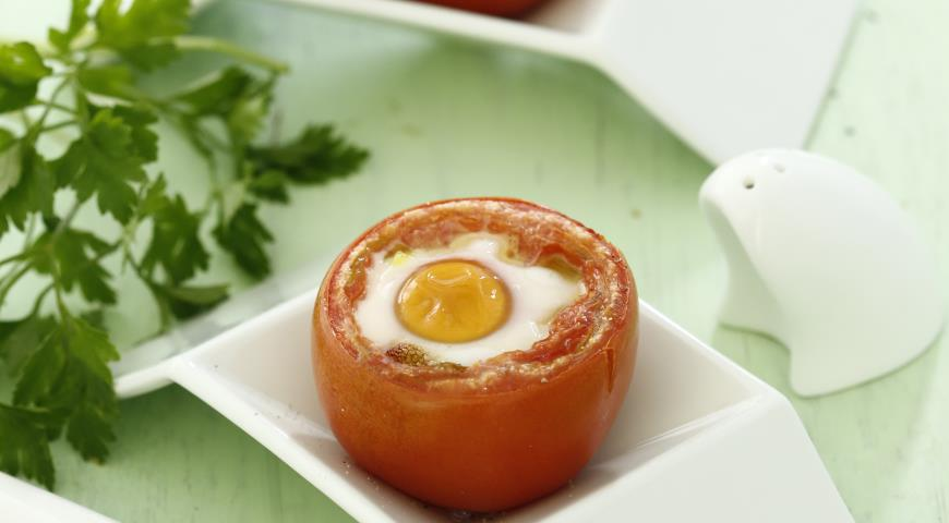 Запеченные помидоры с яйцом и песто | Рецепты с фото