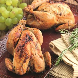 Запеченные смаслом цыплята | Рецепты с фото